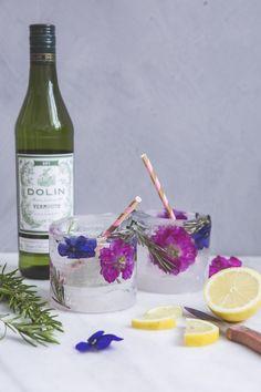 DIY: Ein erfrischendes Eisglas  #DIY #Eis #Glas #Blumen #Kreativ
