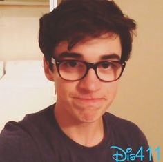 Video: Joey Bragg Doing Some Singing After Cleaning Out His Apartment