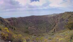 Ruta al Interior y fondo de La Caldera de Bandama en Santa Brígida Gran Canaria (16/04/2017) Tocar o desplazar la foto para ver toda la galería Se trata de una caldera de explosión de más de 220 m…
