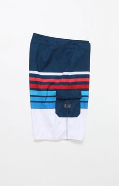 df6e5cb4aecf Navigate the waves with ease thanks to the Billabong All Day OG Stripe 21