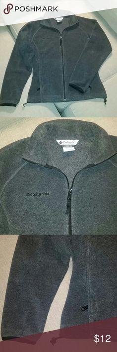 COLUMBIA FLEECE JACKET Great grey fleece women's jacket by Columbia Sportswear Company in great condition. Super soft and very warm and comfy. Size: M Columbia Jackets & Coats