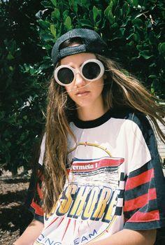 Skater Girl Look Look Fashion, 90s Fashion, Fashion Outfits, Fashion Tips, Fashion Trends, Tomboy Fashion, Moda Converse, Mode Hipster, Mode Punk