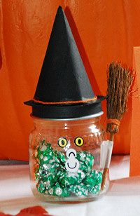 HALLOWEEN CRAFTS>>witch-candy-holder