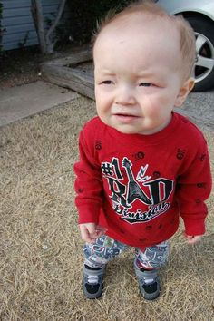 18 Babies That Are Way, Way Older Than You Shhhhh. These babies have work at the yard in the morning. Ugly Baby Pictures, Newborn Pictures, Baby Photos, Funny Pictures, Grumpy Baby, Ugly Kids, Fun Baby Announcement, Baby Boy Themes, Baby Boy Baptism