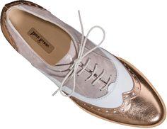 LÄSSIGER DANDY-SCHNÜRER Diese trendigen Schnürer von Paul Green vereinen grundlegende Trends der Saison. Das extravagante Modell überzeugt mit hippem Design aus edlem Leder und versprüht einen lässigen Dandy-Schick. Dandy, Keds, Sneakers, Shoes, Design, Fashion, Zapatos, Paul Green Shoes, Chic