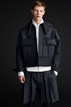 Graduate Ximon Lee from Parsons School of Design, is the first menswear designer to win the H&M Design Award. The special eight-piece collection for H&M, that Ximon envisions being worn by both men and women, celebrates... »