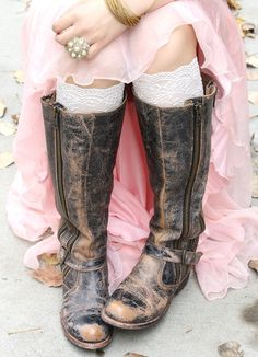 Fancy ​up those boots of yours with our hip lace boot cuffs! Made out of a beautiful stretchy lace, they will complete your fashionista style! Wear them alone or over your favorite leggings, jeans, ti