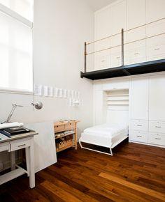 Contemporain Chambre by Radius Architectural Millwork Ltd.