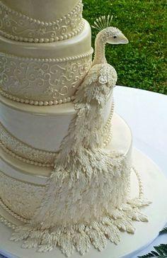 Using sugar veil mats to impress the fondant Peacock Cake, Peacock Wedding Cake, Indian Wedding Cakes, Amazing Wedding Cakes, Amazing Cakes, Cake Wedding, Peacock Theme, Indian Weddings, Floral Wedding