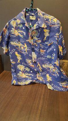 Vintage Hawaiian shirt Aloha shirt Surfriders | Etsy Vintage Hawaiian Shirts, Vintage Shirts, King Kamehameha, Hula Girl, Aloha Shirt, Men Casual, Shirt Dress, Sleeves, Mens Tops