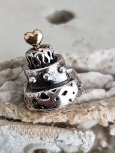 Authentic Pandora Celebration Cake 14k Gold Heart Topper Sterling Oxidized Hallmarked S925 ALE Item#790347 Pre-Loved RETIRED/ Wedding/ BDAY Pandora Bracelets, Pandora Charms, Pandora Collection, Kilt Pin, Floating Charms, Daughter Of God, Piece Of Cakes, Celebration Cakes, Heart Of Gold
