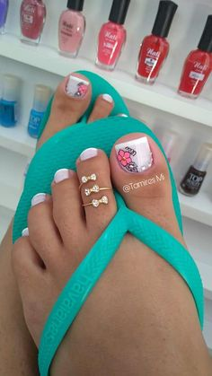29 Modelos de Unhas Decoradas com Esmalte Branco Pedicure Nail Art, Pedicure Designs, Pretty Toe Nails, Cute Toe Nails, Pretty Toes, Toe Nail Color, Toe Nail Art, Hair And Nails, My Nails