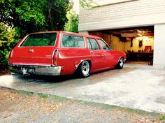 Whatever the ride, slam it to make it cool Holden Wagon, Hq Holden, Australian Muscle Cars, Aussie Muscle Cars, Holden Kingswood, Station Wagon Cars, Holden Commodore, Van Car, Custom Muscle Cars