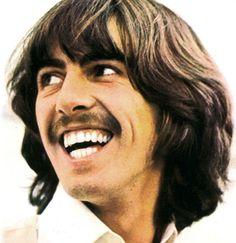 George Harrison y su sonrisa perfecta!