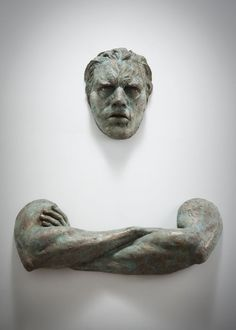 Italian sculptor Matteo Pugliese lives and works in Milan. His bronze sculptures of men, often made from multiple components, appear to be trapped in the Art Sculpture, Wall Sculptures, Abstract Sculpture, 3d Fantasy, Wow Art, Art Design, Interior Design, Oeuvre D'art, Street Art