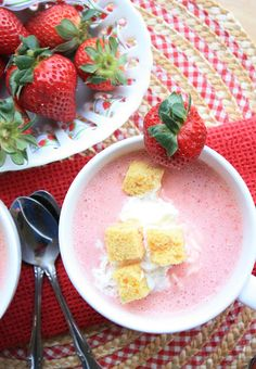 Munchkin Munchies: Strawberry Soup {with homemade cake croutons} Strawberry Soup, Strawberry Recipes, Strawberry Fields, Just Desserts, Delicious Desserts, Yummy Food, Fun Food, Dessert Drinks, Gourmet