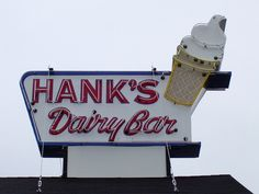 Hanks Dairy Bar Neon Sign, Plainfield, CT-Best Fried Clams ever!