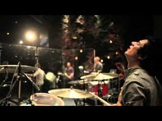 Bethel Live- This is Amazing Grace ft. Jeremy Riddle - YouTube