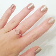 A gorgeous rose gold, wire-wrapped ring with a rose quartz stone at the centre. Made with rose gold, tarnish resistant 22 gauge wire, meaning theres no need to worry about fingers turning green, and handmade to order. •Rose Quartz is the stone of unconditional love• The size and