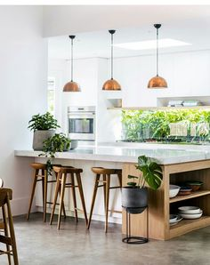 Modern Kitchen Interior Modern Kitchen Lighting Ideas - The kitchen is the proud domain of every housewife and this is the place where she spends a good part of her daily life. With prices of real estate New Kitchen, Kitchen Dining, Kitchen Decor, Kitchen Ideas, Kitchen Wood, Island Kitchen, Kitchen Modern, Kitchen Cabinets, Kitchen Layout