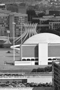 Gonzalo Viramonte, Oscar Niemeyer · Museu Nacional de Brasília, 2006 · Divisare