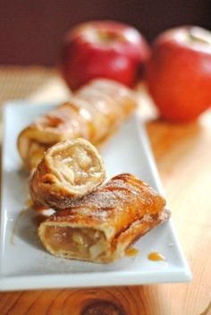 Cinnamon Apple Dessert Chimichangas and TONS of other apple recipes Cinnamon Desserts, Apple Desserts, Cinnamon Apples, Apple Recipes, Just Desserts, Sweet Recipes, Delicious Desserts, Yummy Food, Cinnamon Oil