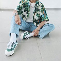 Printed T shirt Aesthetic Fashion Mode Outfits, Retro Outfits, Vintage Outfits, Casual Outfits, Fashion Outfits, Fashion Vintage, Outfits For Boys, Fashion Pants, Fashion Trends