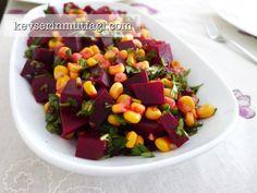 Pancar Salatası Tarifi - Malzemeler: 2 adet orta boy pancar, 1 su bardağı mısır, 1 avuç ince kıyılmış maydanoz, Yarım limonun suyu, Tuz.