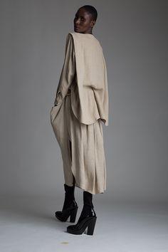 Vintage Issey Miyake Plantation Top and Skirt Set Mehr Issey Miyake, Vintage Designer Clothing, Alexander Mcqueen, High Fashion, Womens Fashion, Gaucho, Japanese Fashion, Skirt Set, Vintage Outfits