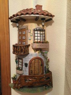 Balcón y ventana preciosa Miniature Dolls Miniature Houses Dollhouse Miniatures Diy Dollhouse Clay Wall Art Doll House Crafts Metal Garden Art Miniature Crafts, Miniature Houses, Miniature Dolls, Clay Houses, Ceramic Houses, Clay Fairy House, Fairy Houses, Tile Crafts, Craft Stick Crafts