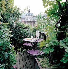 petite terrasse arborée