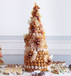 French croquembouche, beach #Wedding Cake ... Wedding ideas for brides, grooms, parents & planners ... https://itunes.apple.com/us/app/the-gold-wedding-planner/id498112599?ls=1=8 … plus how to organise an entire wedding, without overspending ♥ The Gold Wedding Planner iPhone App ♥