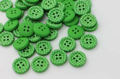 10 Green Plaid Sew Through Wooden Button, Wood Buttons, Plaid Button, Children Button, Green Button,Four Holes,Simple Button,15mm,Plaid Bead