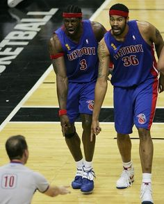 The Pistons Twin Towers Detroit Basketball, Detroit Sports, Basketball Pictures, Basketball Legends, Football And Basketball, Basketball Players, College Basketball, Basketball Camps, Basketball Scoreboard