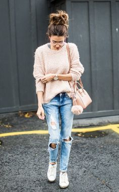 Fall Fashion | Fuzzy sweater and distressed denim