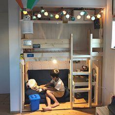 キッズスペースは、子どもにとってはとても大切な空間ですね。親としては、おもちゃなどの出し入れのしやすさや、リラックスできるような工夫はもちろん、ぜひそこにいるだけで楽しめるような、キッズスペースを作ってあげたいもの。今回は、きっと子どもの思い出に残る、楽しいキッズスペースをご紹介していきますよ♪