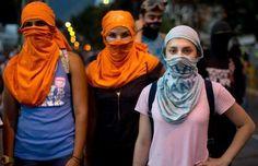 MUJERES VENEZOLANAS, VALIENTES GUERRERAS! #LaRealidadDespuesDelDIALOGO pic.twitter.com/O45042soJG