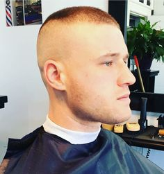 Military Hairstyles, Boxer, High And Tight, Cute Gay, Barbershop, Short Hair Cuts, Haircuts, Hair Styles, Shaved Heads