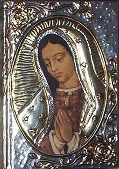 Virgen de Guadalupe sobre Biblia