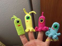 Aliens, freehand. Cotton yarn.