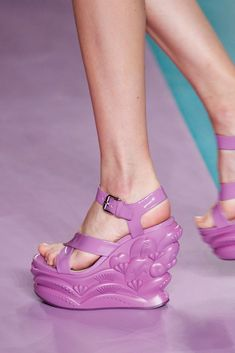 Miu Miu Spring 2017 Ready-to-Wear Collection - Vogue Funky Shoes, Crazy Shoes, Cute Shoes, Me Too Shoes, Sock Shoes, Shoe Boots, Shoes Sandals, Miuccia Prada, Miu Miu Schuhe
