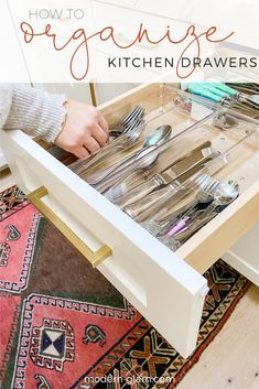 How To Organize Kitchen Drawers Three easy steps to organizing kitchen drawers that will leave you with a clean and organized kitchen. Tips for organizing deep kitchen drawers. Deep Drawer Organization, Medicine Cabinet Organization, Linen Closet Organization, Home Organization Hacks, Kitchen Organization, Organized Kitchen, Organize Medicine, Organization Station, Medicine Cabinets