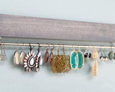 bruin houten earring display / organisator van fairlywell op Etsy