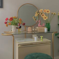 The power of flowers 😊🌼 They always add an extra magic touch to a room, always looking forward to buying more 🌻 Indie Room, Pretty Room, Room Ideas Bedroom, Zen Bedroom Decor, Bedroom Inspo, Aesthetic Room Decor, Dream Rooms, House Rooms, Home Decor