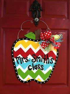 Cute Teacher Gifts, Teacher Appreciation Gifts, School Doors, Door Hangers, Artsy Fartsy, Crafty, Christmas Ornaments, Holiday Decor, Apple