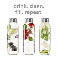 drink. clean. fill. repeat. Mit den Permanent-Verschlüssen aus Edelstahl – rostfrei, langlebig und magnetisierbar. Die Permanent-Verschlüsse gibt es für die 250-ml- & 750-ml-Flaschen.  #upcycling #truefruits #flaschenaufsätze