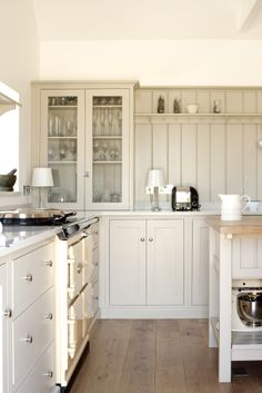 Tongue and Groove Backsplash - Country - kitchen - Devol Kitchens Shaker Style Kitchen Cabinets, Barn Kitchen, Shaker Style Kitchens, Kitchen Cabinet Styles, Shaker Kitchen, Painting Kitchen Cabinets, Kitchen Paint, Country Kitchen, New Kitchen