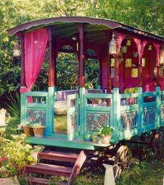 Caravan Gypsy Vardo Wagon:  An open-sided #Gypsy wagon.