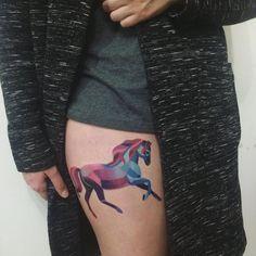 Gorgeous horse tattoo by the ever amazing @sashaunisex