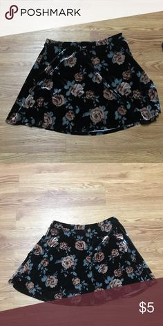 Floral skirt Velvet floral skater skirt that falls mid-thigh.  Worn and washed once and there are no flaws 😊 Forever 21 Skirts Circle & Skater